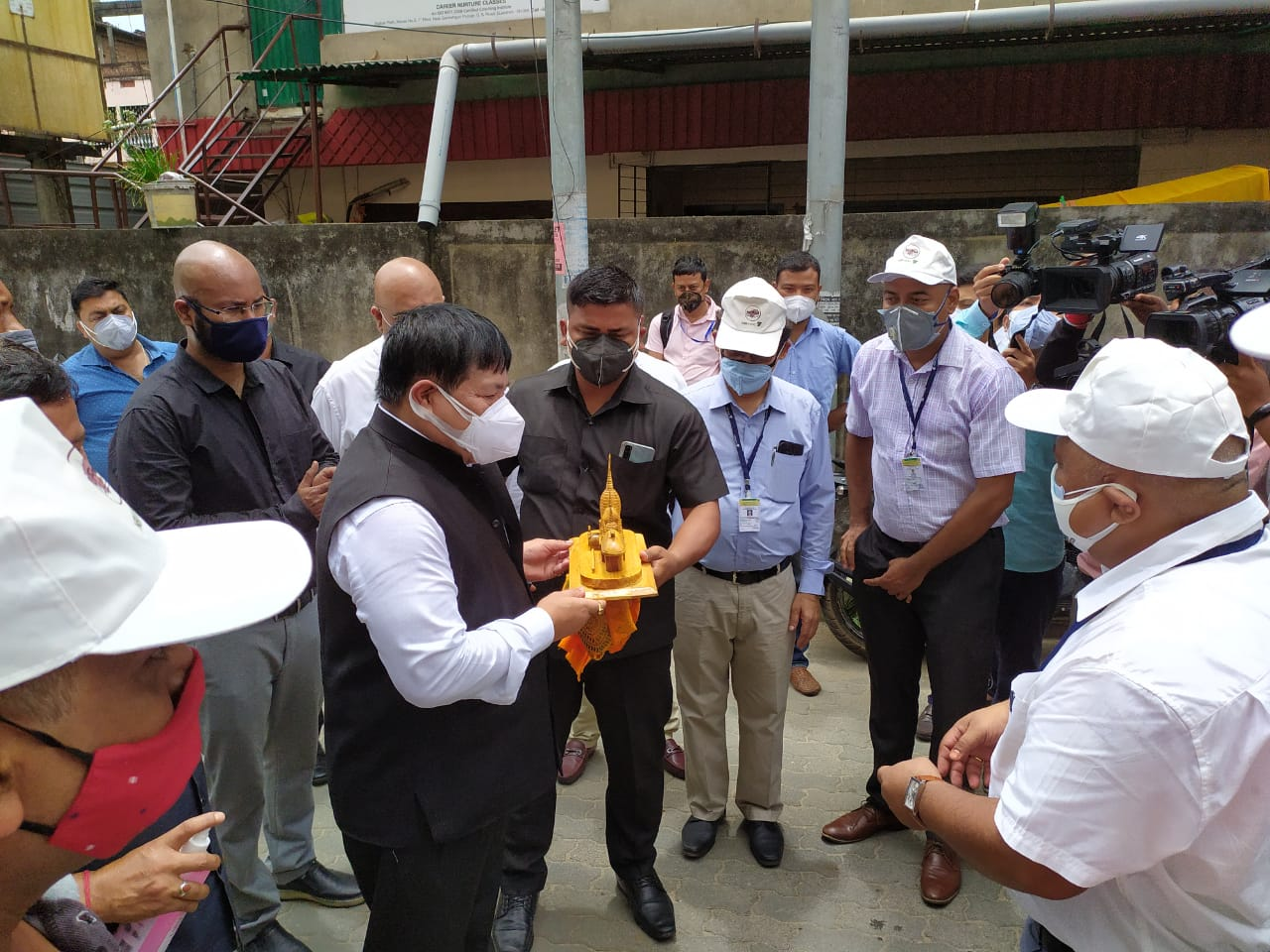 NERAMAC's vegetable vending van flagged off by Hon'ble Minister of Agriculture, Animal Husbandry and Veterinary, Sri Atul Bora